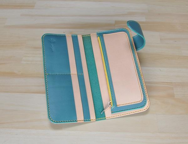 wallet1ctona2.jpg