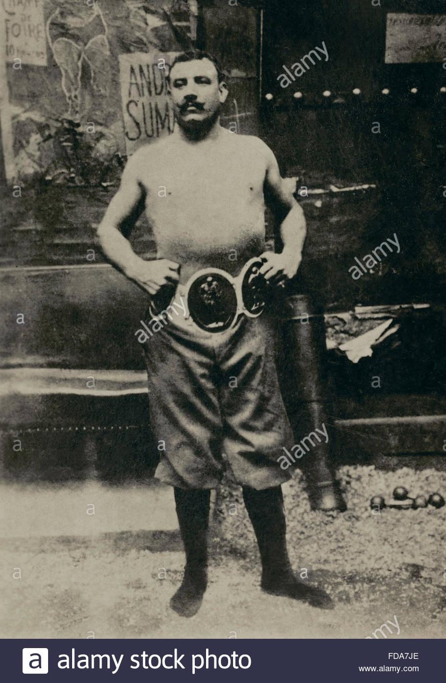 his1501488-portrait-du-lutteur-francais-paul-pons-1864-1904-photographie-FDA7JE.jpg