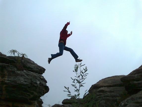 leap-456100_1280.jpg