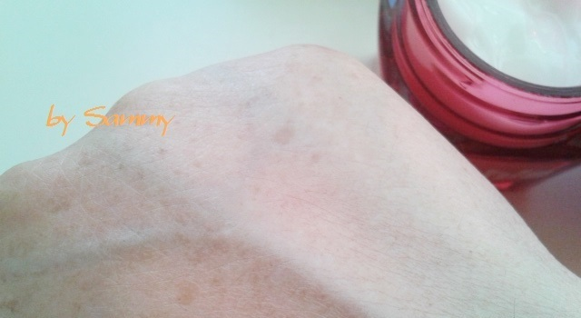 ナールスユニバ 201702 塗った肌
