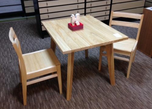テーブル小11