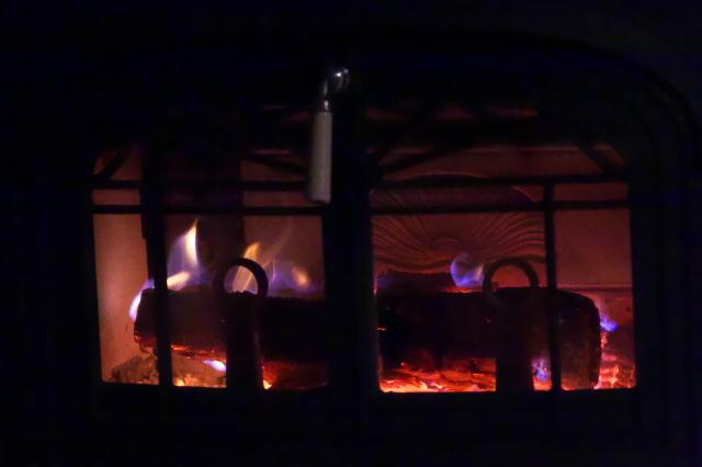 薪ストーブの暖かさ-01