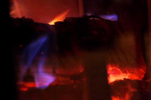 薪ストーブの暖かさ-04