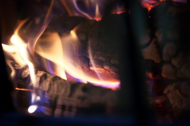 薪ストーブの炎-05