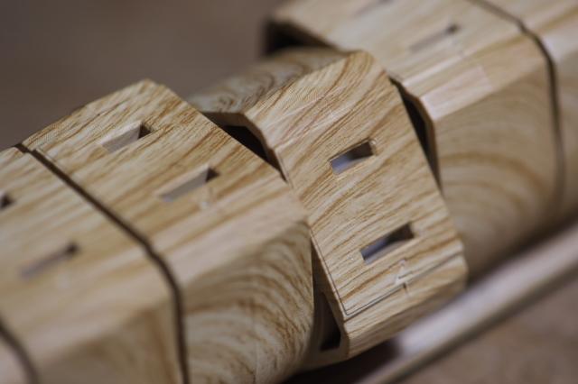 木製のテーブルタップ-02
