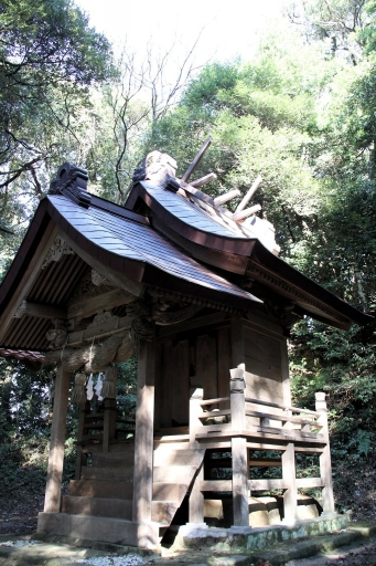 嵩神社本殿