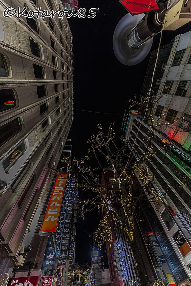 3連休初日 深夜の花椿通り5 20161224