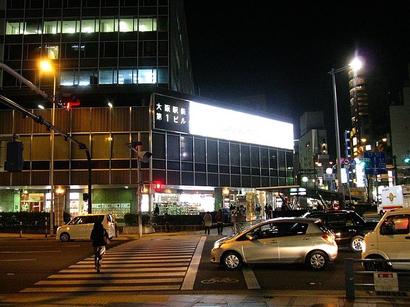 2013_02_28 C 梅田 (2)