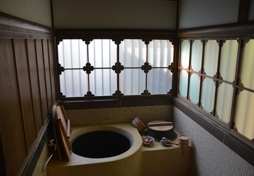 161201-141538-横浜根岸 六角橋商店街 20161201 (66)_R