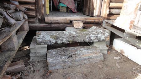 新しい小屋の入り口