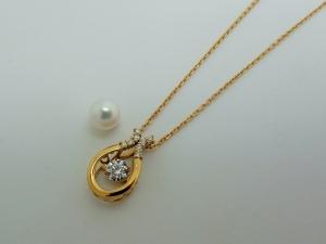 パールとダイヤのネックレスBefore