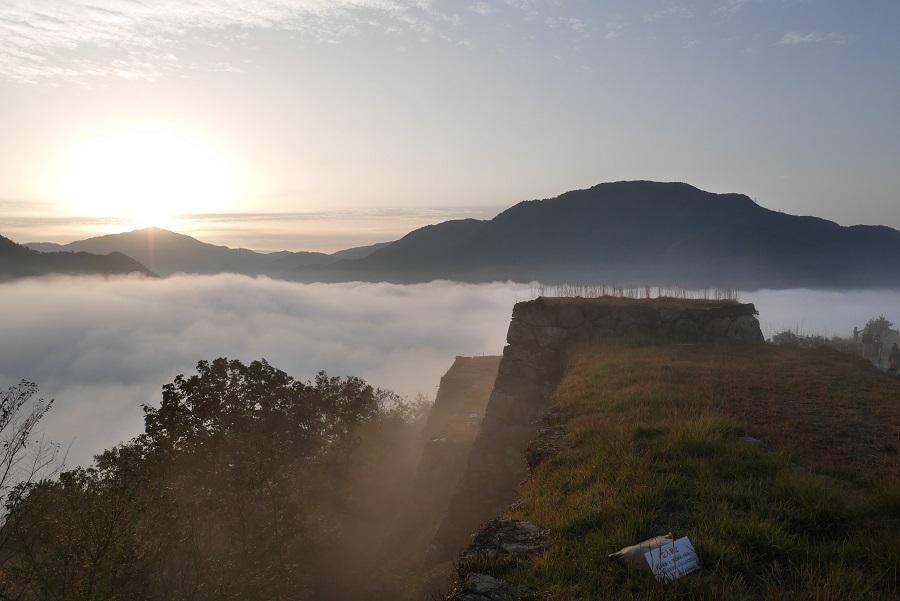雲海竹田城のご来光1610-015b