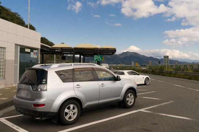 東名高速のPAで富士山見物-005