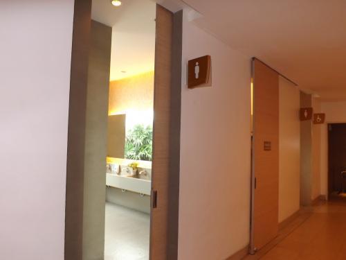 セントラルフェスティバル トイレ 1