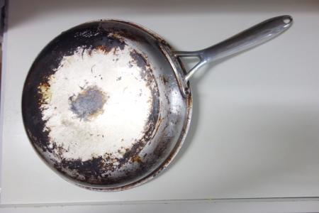 鍋の汚れ落とし2