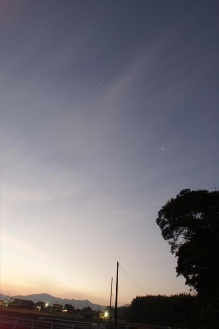 田舎の夜明け