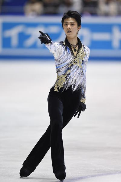 Yuzuru_Hanyu_ISU_World_Team_Trophy_Day_2_pxXynp-L2sfl.jpg