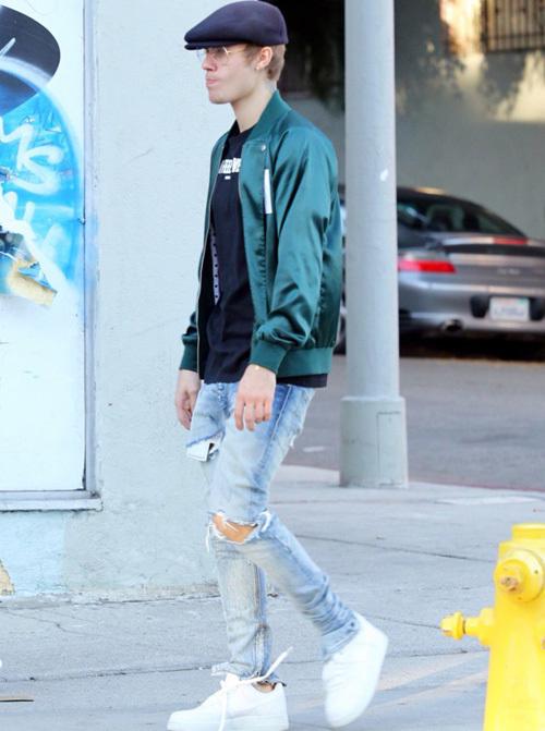 ジャスティン・ビーバー(Justin Bieber):ホテル1171(Hotel 1171)/フィアオブゴッド(Fear of God)/ジバンシィ(Givenchy)/ナイキ(Nike)