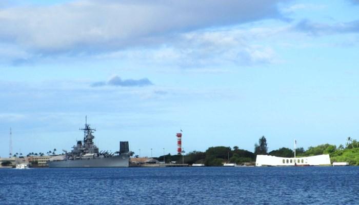 アリゾナ記念館と戦艦ミズーリ