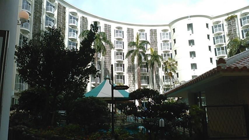 ホテルのプール②
