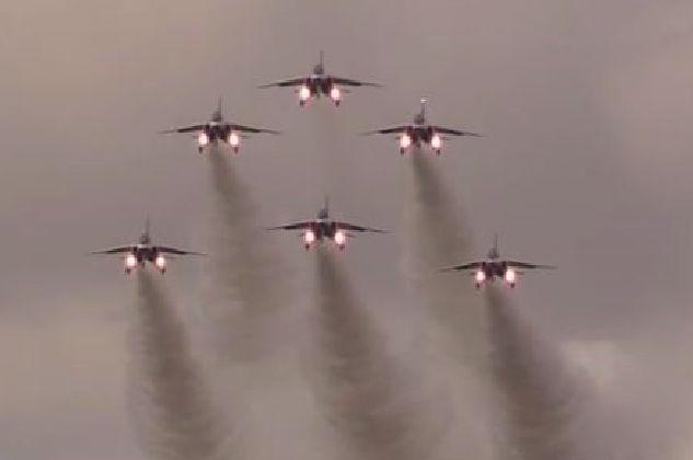 T4ブルーインパルス飛行