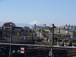 20161202三鷹跨線橋からの富士山1
