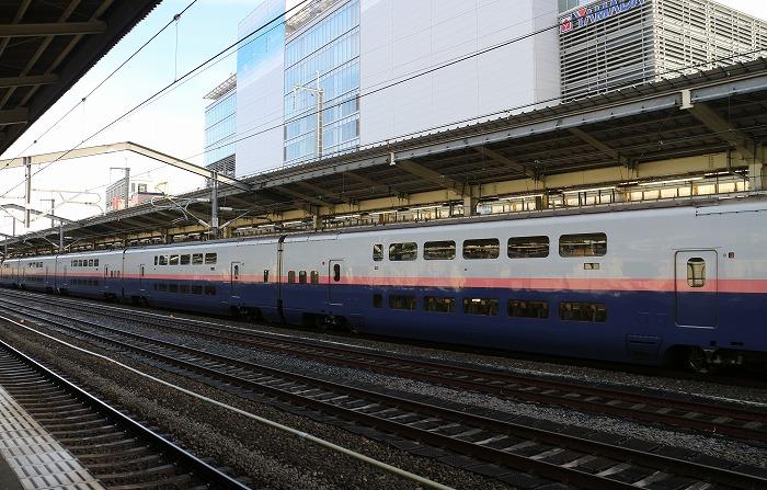 朱鷺色の二階だての新幹線 29.1.21