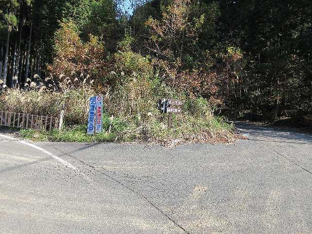 IMG6285JPG取り付き口まで林道の新設工事あり