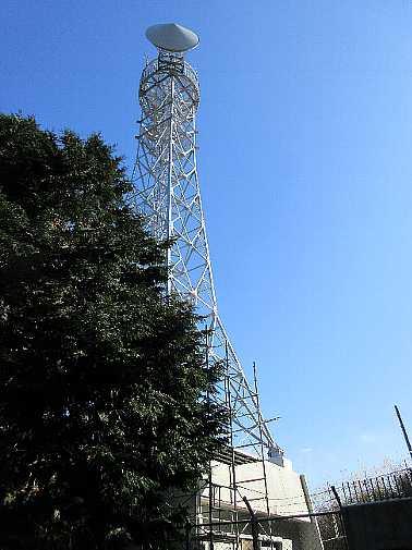 IMG6295JPG登山口にある九電中継所