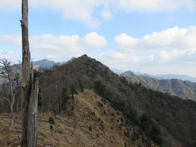 IMG6502JPG岳滅鬼岳が前方に