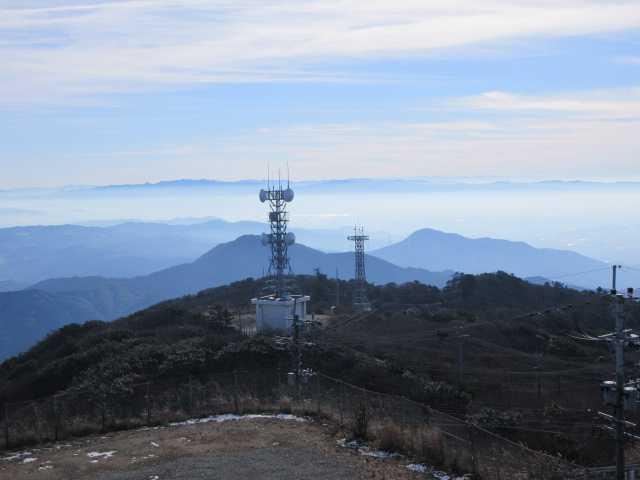 IMG6680JPGアンテナの向こうに大根地山