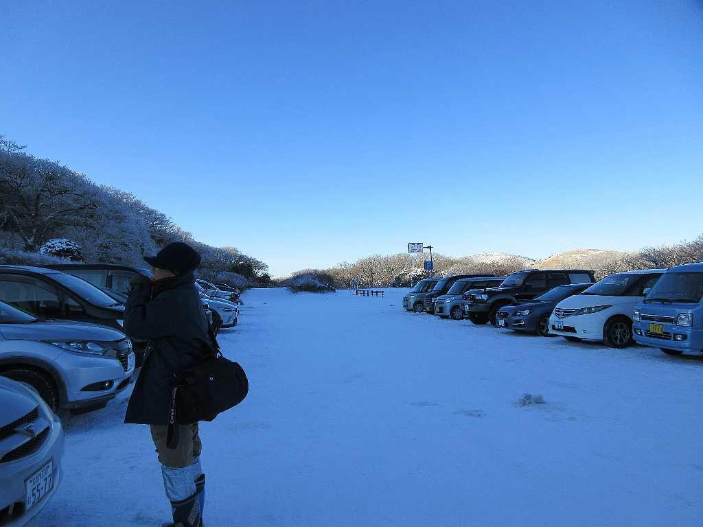 IMG7333JPG雪の牧ノ戸峠9時スタート