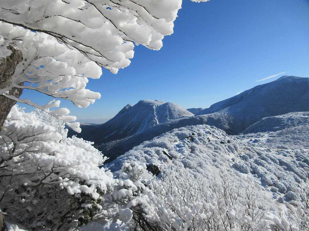 IMG7349JPG雪の三俣山