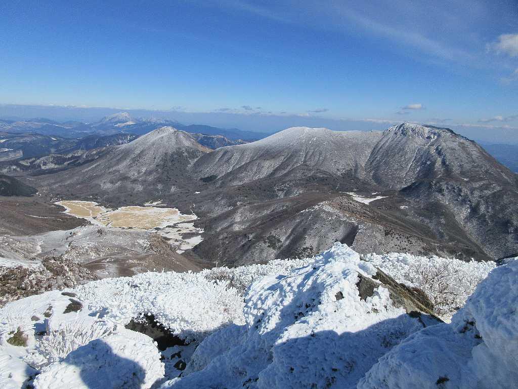 IMG7437JPG中岳より大船山と坊ヶツル