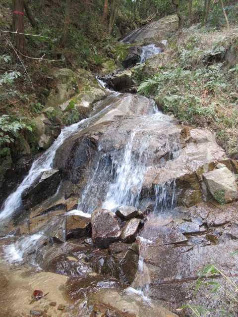 IMG7632JPG円陣の滝3