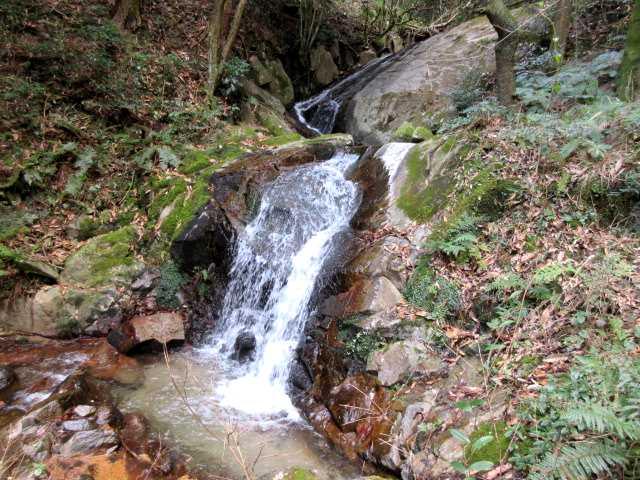 IMG7626JPG円陣の滝1