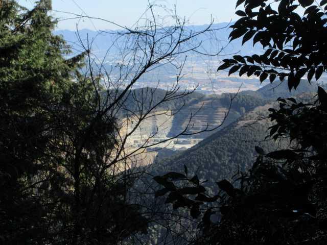 IMG7730JPG前方に採石場