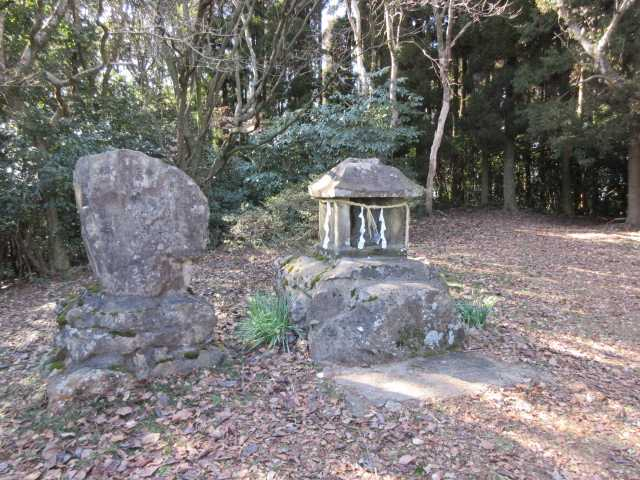 IMG7769JPG竜王神社石碑