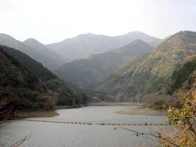 IMG7827JPG湖畔から福智山を望む
