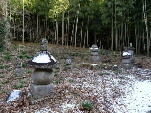 9旧墳墓 (1200x900)