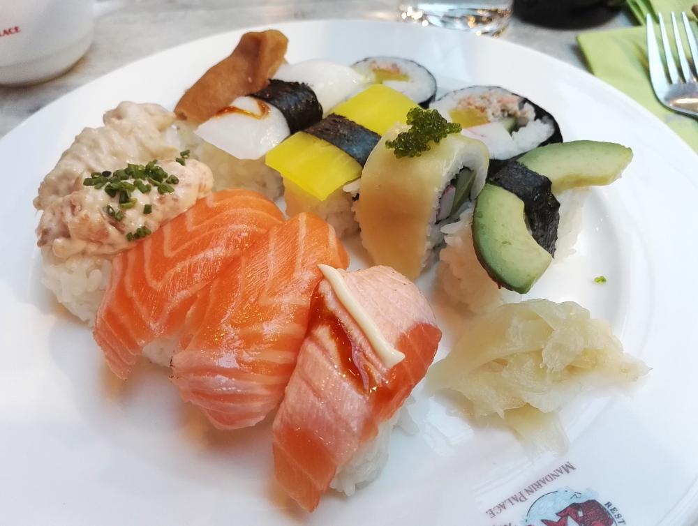 フィンランド エスポー Sello 中華料理店 バイキングランチ 寿司 Sushi