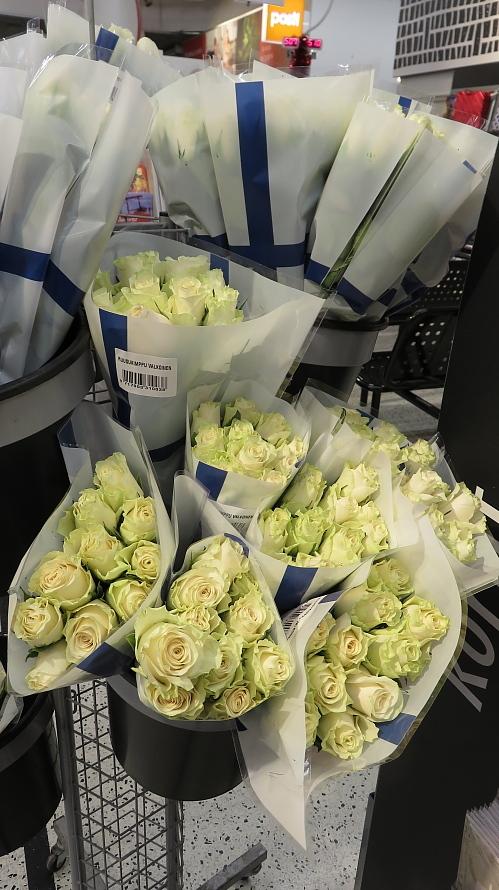 フィンランド 独立記念日 花