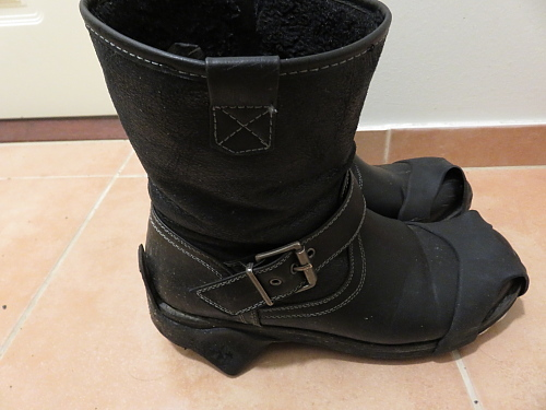 フィンランド 冬 靴 滑り止め