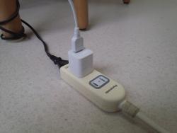 充電用のアダプター