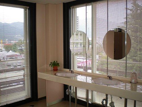 旧琵琶湖ホテル・トイレ