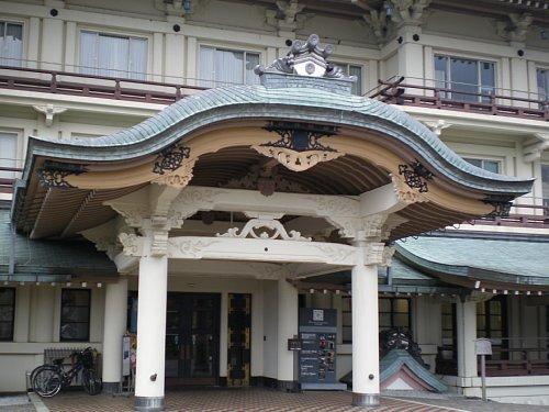 旧琵琶湖ホテル・正面玄関