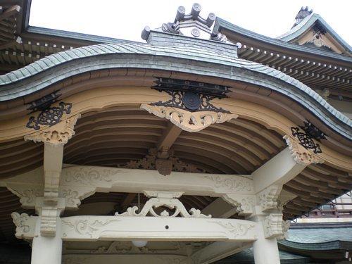 旧琵琶湖ホテル・唐破風