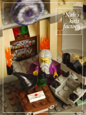 LEGODumbledoresOffice14.jpg