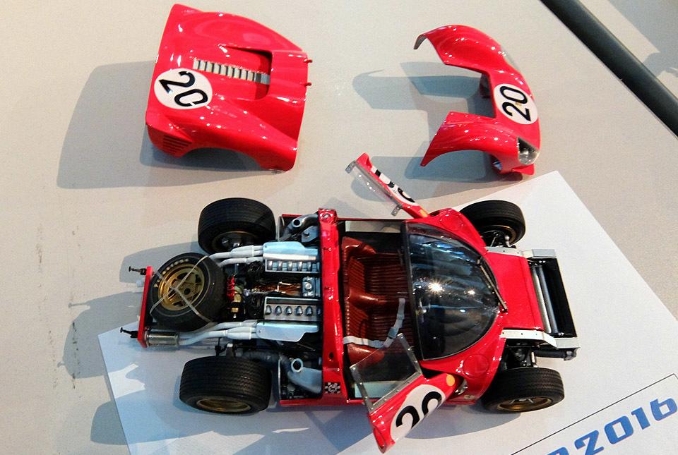 3252 フェラーリ 330P4 960×645