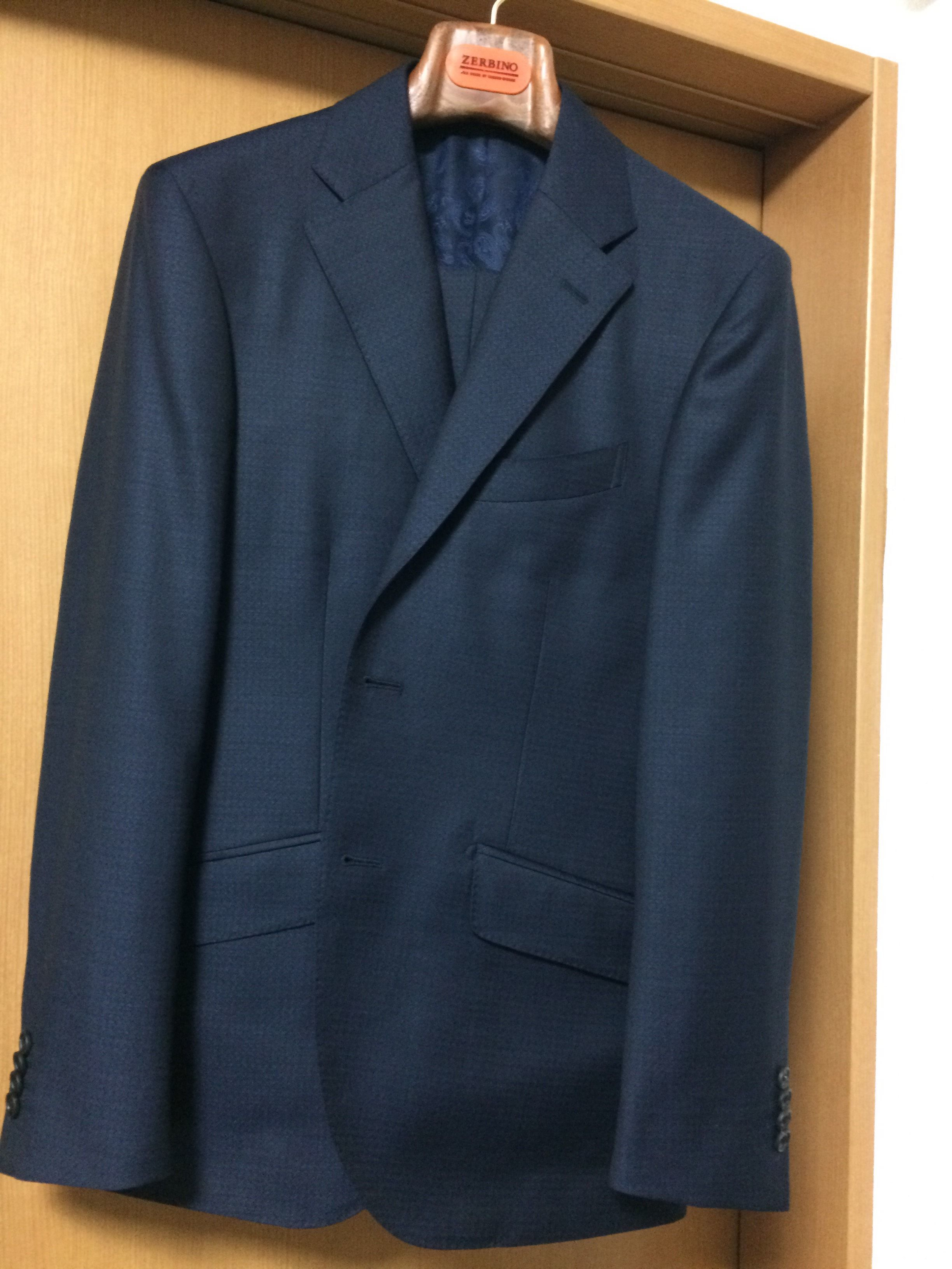 ゼルビーノのスーツ